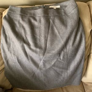 Ann Taylor LOFT wool and polyester pencil skirt.